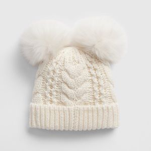 NWOT Gap Toddler Cable Knit Pom Beanie